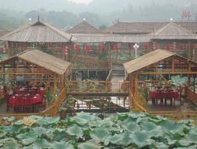 竹子装修农家乐水上餐厅效果图