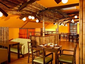 竹子装修餐厅室内效果图