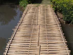 竹子装修花园浮桥效果图