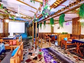 竹子装修酒吧大厅效果图